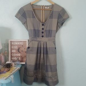 Tulle plaid tie- back dress with pockets NWOT
